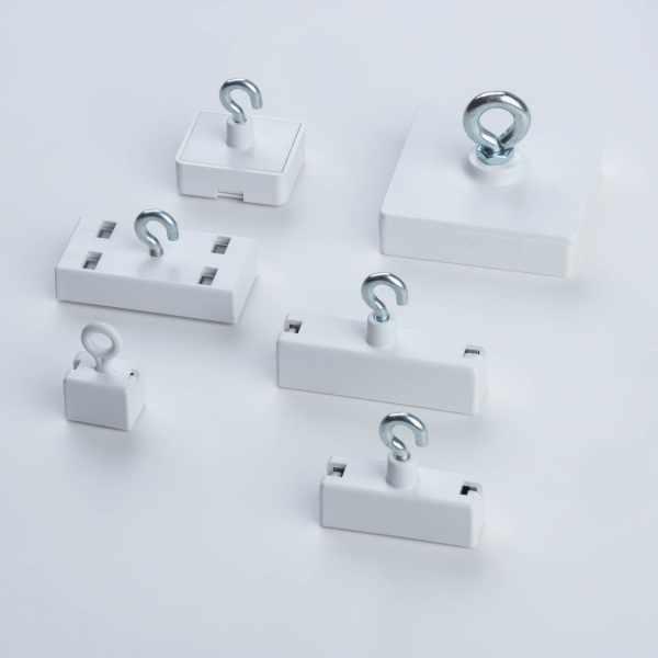 Leistenmagnet Ferrit, weißes Kunststoffgehäuse - Gruppenbild